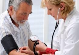 arterialnaya-gipertenziya-effekt-belogo-halata
